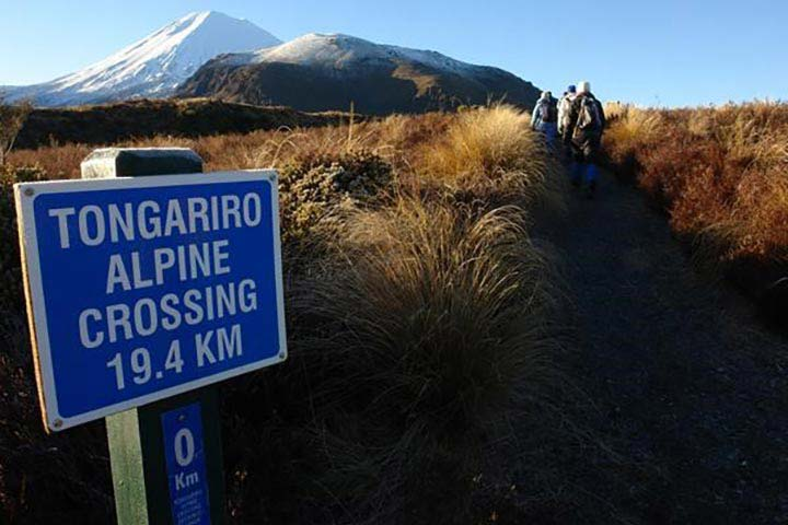 A visitor's guide to New Zealand's Tongariro Alpine Crossing