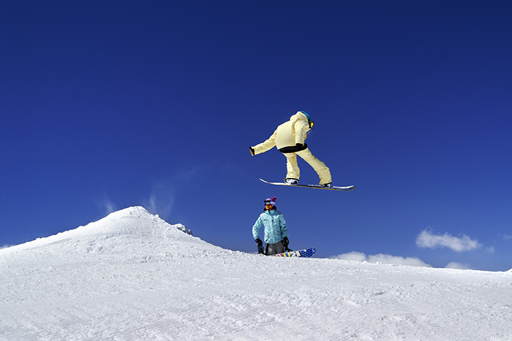 Snowboarder enjoying Mt Ruapehu ski season