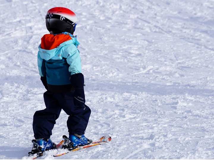 Child-skiing