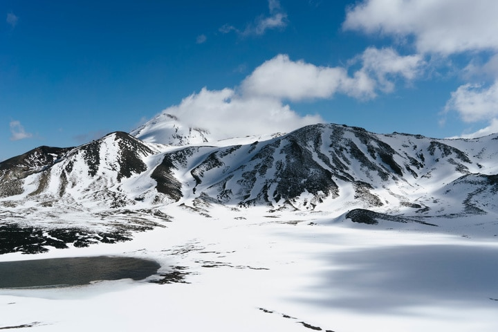 Guided treks ensure safety and enjoyment on the Tongariro Crossing in winter